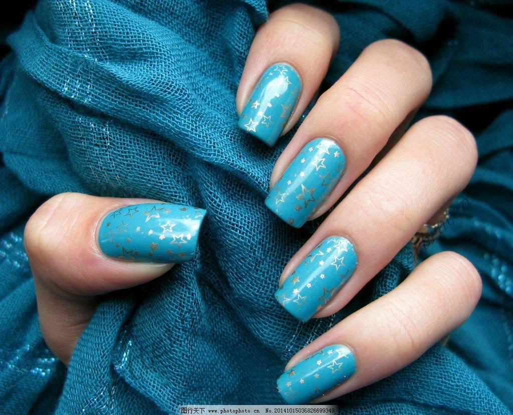 时尚蓝色五角星美甲图片