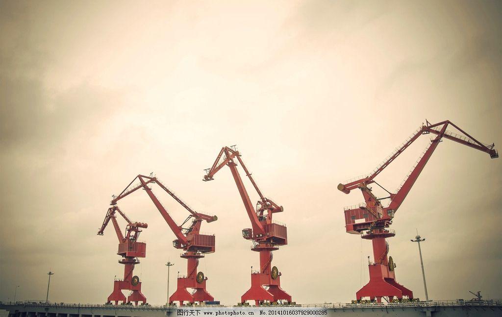 吊车 港口 机械 施工 工业生产  摄影 现代科技 工业生产 300dpi jpg