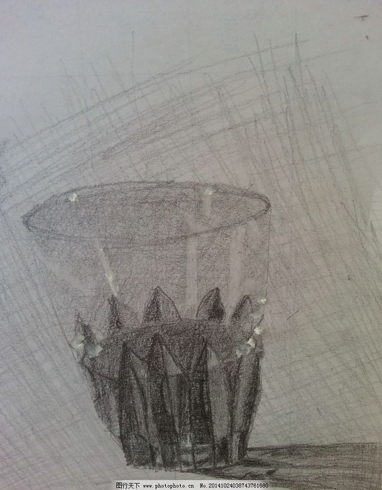 铅笔素描-透明水杯图片