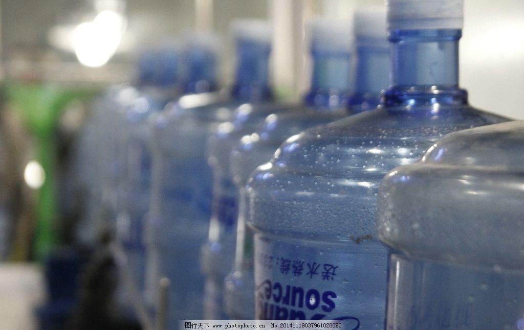 纯净水桶图片_工业生产