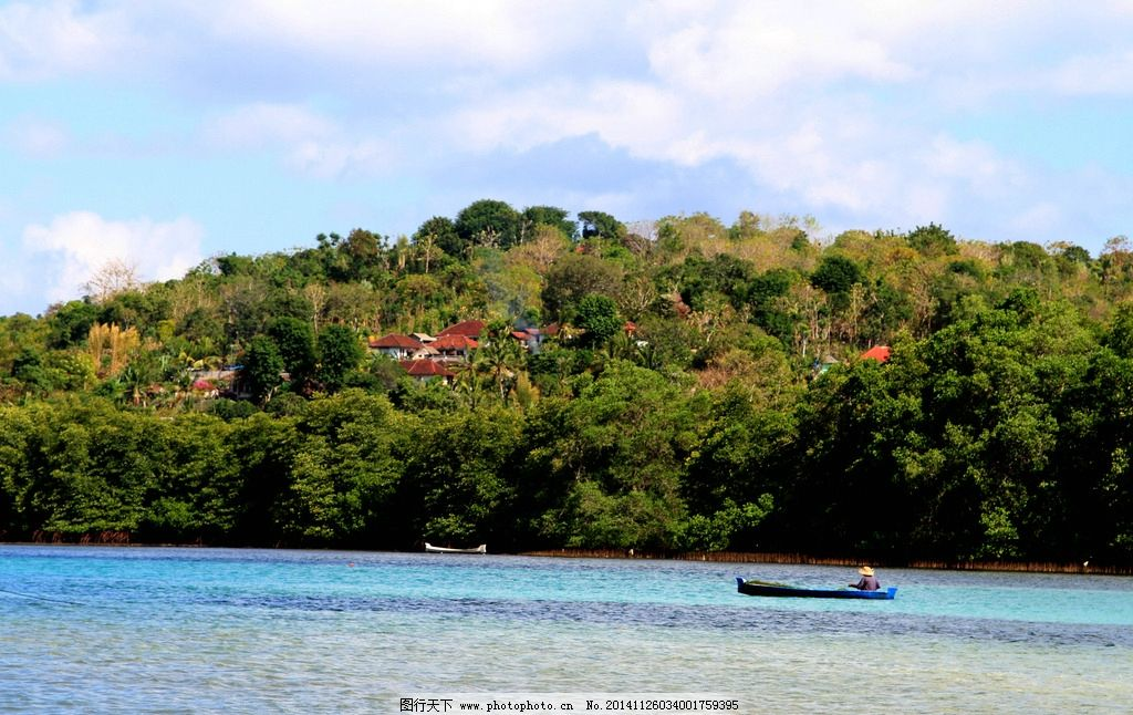 海边劳作 印尼 巴厘岛 旅游 木船 蓝天 白云 海水 摄影 旅游摄影