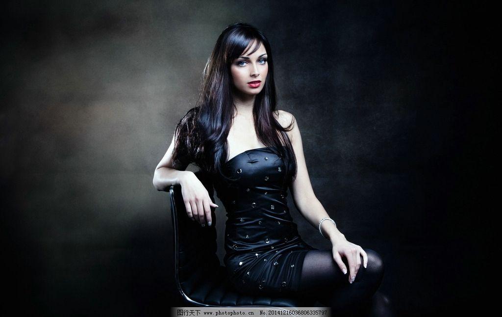 优雅气质短裙美女 气质美女 丝袜美女 长发 卷发 黑色丝袜 抹胸裙