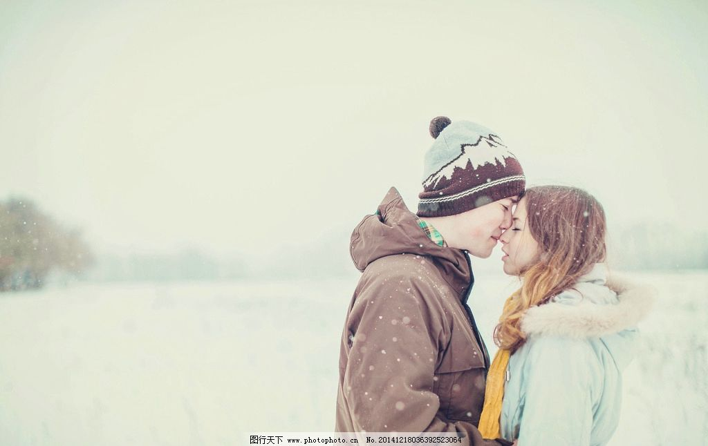 唯美 清新 雪地 情侣 浪漫
