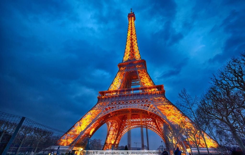巴黎铁塔 艾菲尔铁塔 法国 巴黎 城市夜景 著名景点 塞纳河畔 建筑